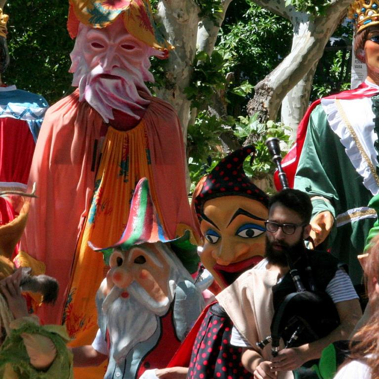 Globetrotters and Puppet Festival